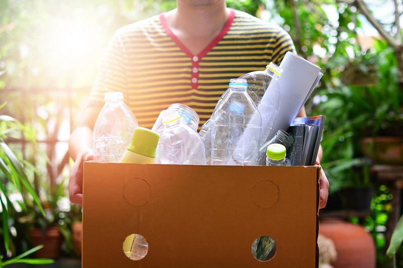 Minet de ce sa reciclam